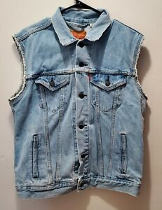 Levi's Cut Off Denim Vest Men's Size M Sleeveless Blue Button Front Cotton