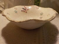 Vintage Hull Pottery Cereal Bowl B4 Ruffled Border Butterflies and flowers Rare