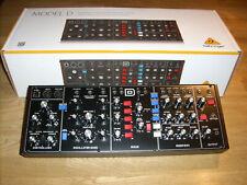 Behringer Model D - Analog Desktop-Synthesizer - wie neu!!!