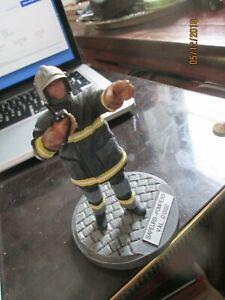 Pretty Figurine Resin Bobby Firefighter Val D Oise ODERIGO