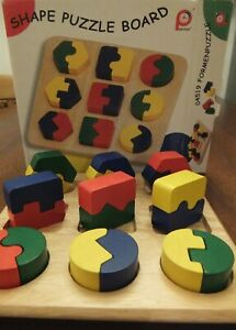 PINTOY SHAPE PUZZLE BOARD 04519 WOOD BOXED RED GREEN YELLOW BLUE GREAT CONDITION