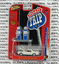 Johnny Lightning 1/64 Road Trip Release 1 White 1965 FORD MUSTANG 2+2 w/Diorama