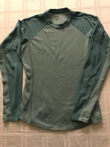 Patagonia Capilene Women M Base Layer Long Sleeve Pullover 2 Tone Green TS9