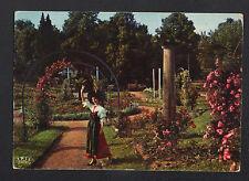 SAVERNE (67) ALSACIENNE costumée à la ROSERAIE en 1975