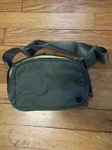Lululemon | Everywhere Hip Bag