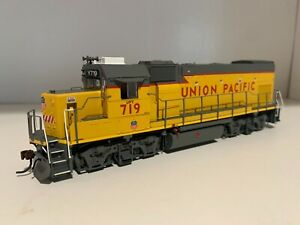 New Athearn Genesis HO ATHG68167 Union Pacific Yard 719 GP15-1 w/DCC & Sound