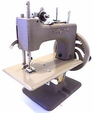 Singer Sewhandy Model 20 Child's Sewing Machine W/Box 1953 Manual
