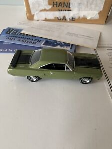 Matchbox Collectibles 1970 Plymouth Muscle Car Road Runner Hemi Diecast 1:43