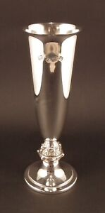SOLID SILVER CHAMPAGNE FLUTE / WINE GOBLET - BARROWCLIFT - B'HAM 1979 - 158g