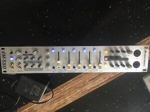 Omnitronic EM-550. 5 channel mixer