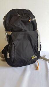 MOUNTAIN HARDWEAR Classic Lightweight Hiking Camping Backpack Bag Carryon Black