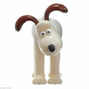 NOVELTY SOLAR POWERED DANCING GROMIT, DASHBOARD TOY, HOME OR CAR