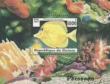 Timbre Poissons Guinée BF122 ** lot 17051
