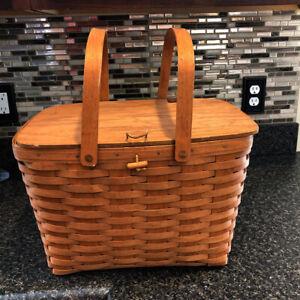"""Longaberger 16"""" Wide Handled Basket With Hinged Lid Vintage 1992 Big Basket"""