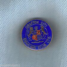 #D116.  GRAFTON CITY BOWLING CLUB LAPEL BADGE, COAT OF ARMS  THEME