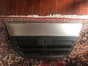 NISSAN UD GRILL