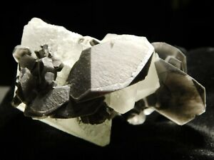 A FLUORITE Crystal Cluster With Calcite Crystals Xianghualing Mine 129gr