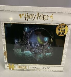 New 550 Pc Jigsaw Puzzle Glow in the Dark Harry Potter Magic of Hogwarts Castle