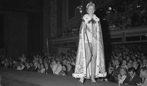 Miss Universe Hellevi Rombin Walks Before The Audience 1955 OLD PHOTO