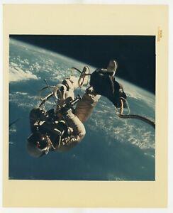 Original NASA Spacewalk Photo Gemini IV Ed White Red # S-65-30432 Kodak Paper