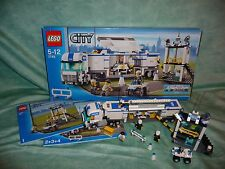lego 7743 - Police Command Centre - 2008 (boxed)