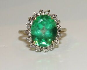 9ct Gold Emerald & Diamond Large Cluster Ring size L