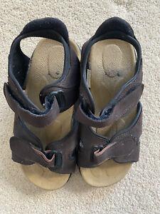Mens Brown Beach Sandals Size 9