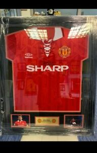 Framed & Hand Signed Bryan Robson Shirt Man United + Certificate Of Authenticity