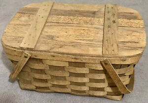 Large Wicker Picknick Basket - Moveable Handles, Hinged Lid