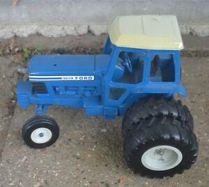 Ford 9700 Series Dual Wheel Tractor Ertl Vintage