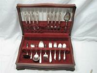 IS INTERNATIONAL SILVER TULIP PLATED FLATWARE SET SILVERWARE 46 PIECES W/BOX
