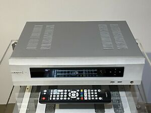 Oppo BDP-105 3D Bluray Player W/Remote 24Bit 192-kHz DAC CD Player Preamp Silve