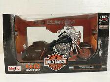 Maisto 2013 FLHRC Road King Classic Harley Davidson 1:12 Model