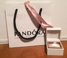Pequeño Encanto De Pandora/Stud Oreja Anillo Caja Con Bolsa Y Cinta