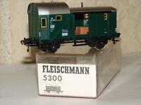 FLEISCHMANN ( 5300 ) JOLI FOURGON BAGAGES DE LA DB AVEC HABILLAGE EN BOITE HO