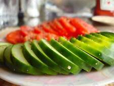 MODERN PHOTOGRAPHY CUCUMBER TOMATO SLICE FOOD LARGE POSTER ART PRINT BB3137A