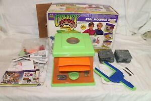 Vintage Creepy Crawlers Workshop Oven Bug Magic Maker 1994 w/Molds