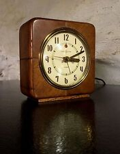 Vintage Art Deco General Electric alarm clock, wooden case