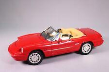 LE1141 UNIVERSAL HOBBIES 3301/2/3 voiture 1/18 Alfa Romeo spider cabriolet rouge