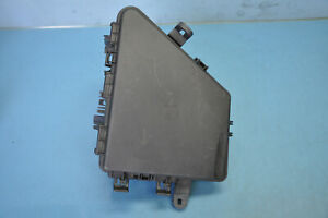 2005 CADILLAC STS 4.6L RWD #13 FRONT RIGHT FUSE BOX COVER HOLDER OEM