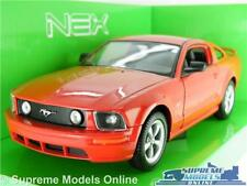 FORD MUSTANG GT MODEL CAR 2005 1:24 SCALE RED USA MUSCLE WELLY OPENING PARTS K8
