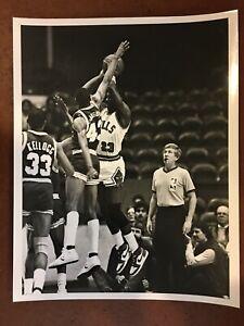 1980's Michael Jordan CHICAGO BULLS 8 x 10 - Type 1 Photo!