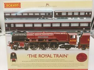 """HORNBY 00 GAUGE R2370 """"THE ROYAL TRAIN"""" DUCHESS OF SUTHERLAND & COACHES"""