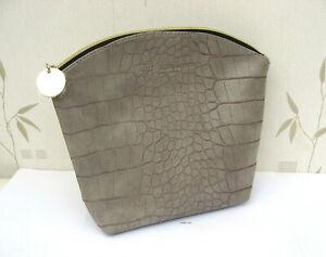 Elizabeth Arden Mushroom Colour patterned Make Up Bag - New