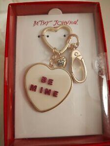 Betsey Johnson Key Chain Heart Pendant Gold Tone Purse Clip Be Mine Beige New