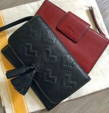 FOSSIL - BLACK LEATHER WRISTLET Woven Hearts Tassel & CRANBERRY TAB WALLET LOT