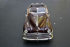 Danbury Mint 1948 Chrysler Town & Country - 1:24 - Diecast Car Model w/ Orig Box