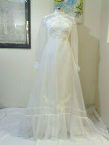60s ROMANTIC WHITE SHEER CHIFFON & APPLIQUED FLOWERS SMALL TRAIN WEDDING DRESS
