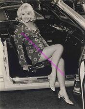 ACTRESS SUSAN HOLLOWAY SHORT DRESS UPSKIRT LEGGY IN PANTYHOSE PHOTO A-SHOL