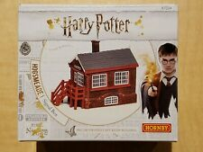 Hornby R7234 Harry Potter Hogsmeade Station / Signal Box Oo Scale